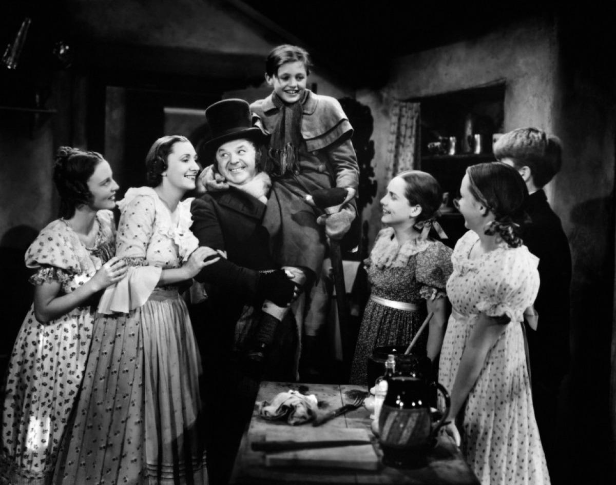 christmas-carol-1938-cratchits