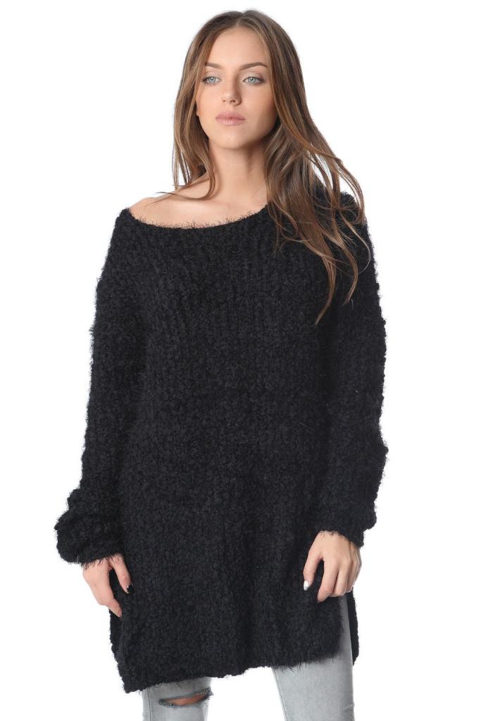 Black + sweater + heaven.