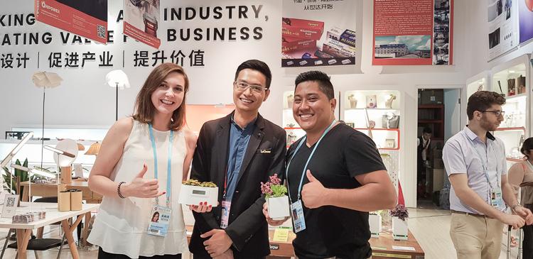 Australian distributor and Hao Bin