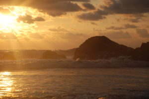 playa ventanas sunset rock
