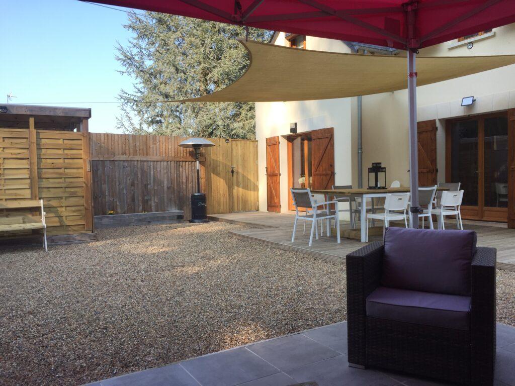 La Terrasse avec Spa et détante jardin, très calme.   Accueil chaud,Beauval Chambre D'hôtes