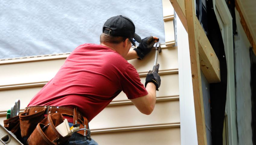 Repair Your Siding Before It's Too Late!