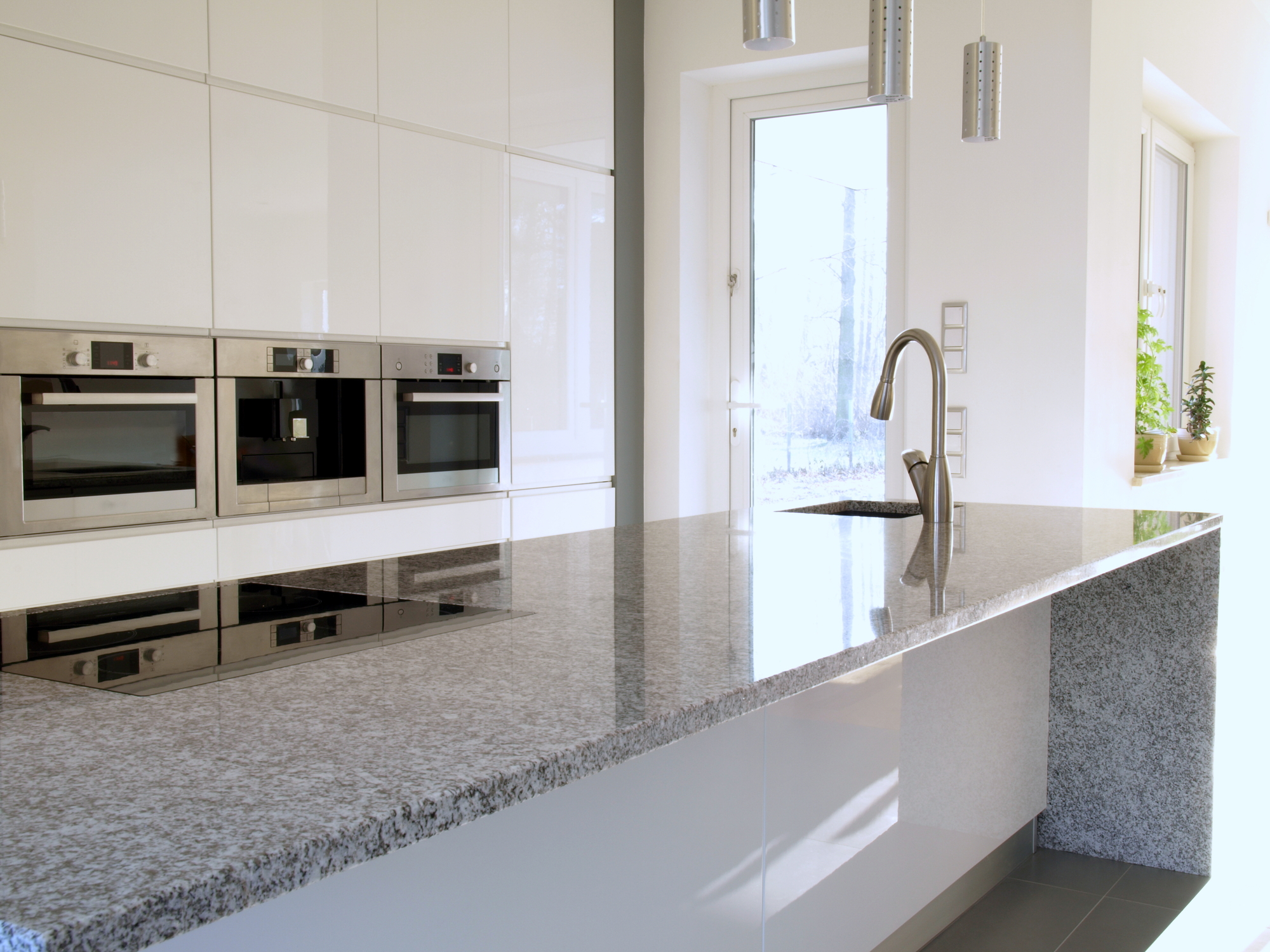 Selecting the Right Countertops for Your Kitchen Remodel