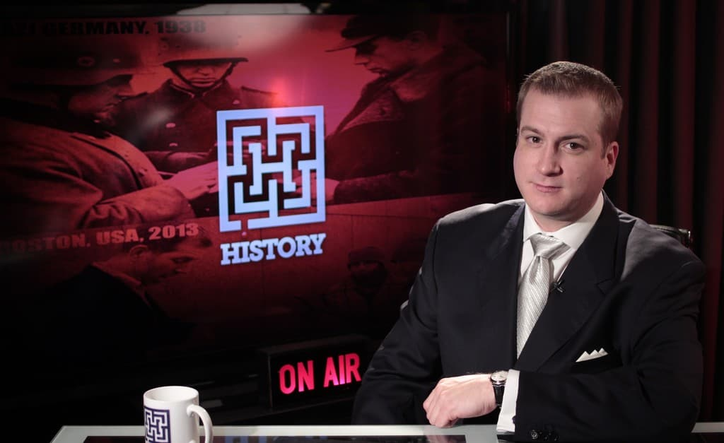"""History… Interview and a Movie: Larken Rose premieres the Director's Cut of """"It Can't Happen Here!"""""""