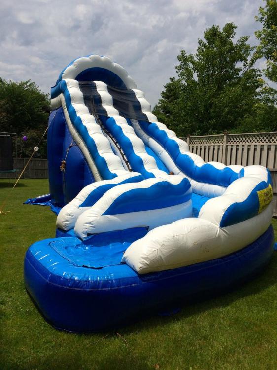 19-Foot Curvy Cool Water Slide