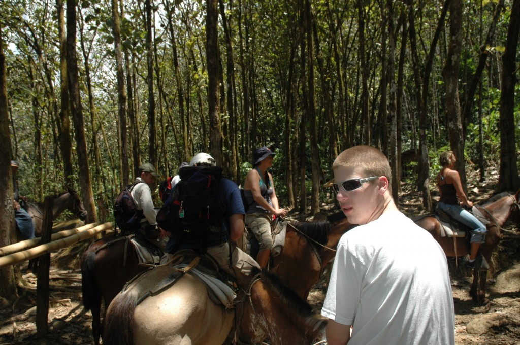 horseback riding nauyaca costa rica