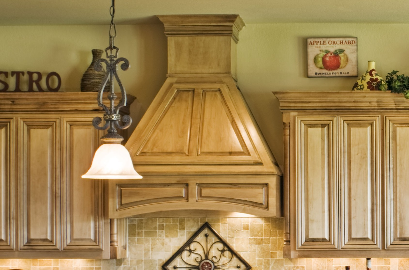 Wood Vent Hood with Valance
