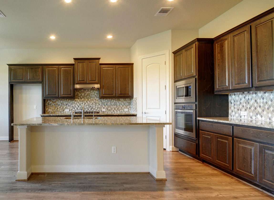 Kitchen 081 - Burrows Cabinets - central Texas builder ...