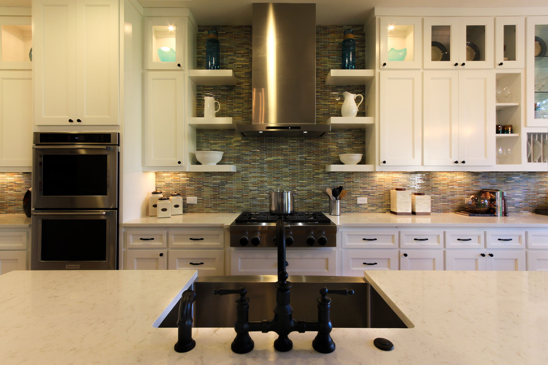 Kitchen 050d - Burrows Cabinets - central Texas builder ...