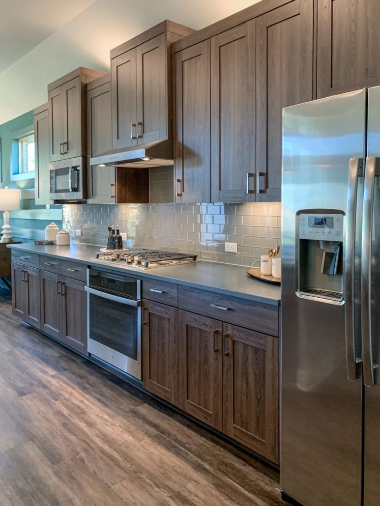 Kitchen EVRGRN Bordoni 5pc Side View