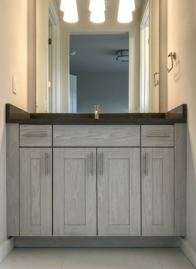 Bathroom Vanity in Artisk 5 piece