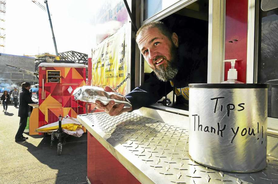 Just How Hard is it to Run a Food Truck Business Anyway?