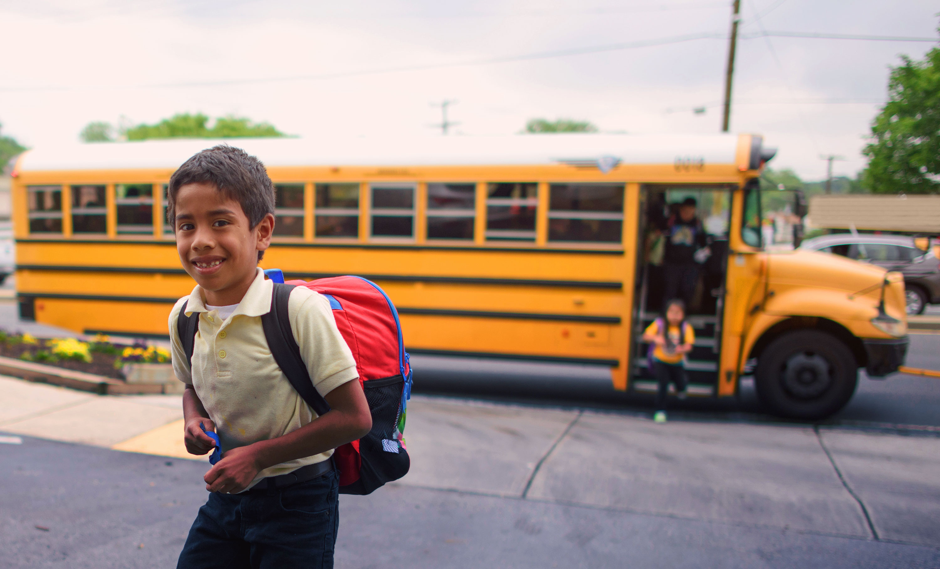 Why the Best School Food Service Involves Buying a Food Truck for School Districts