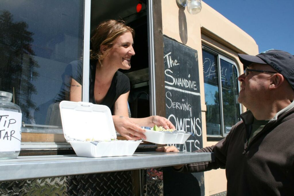 Have Big Dreams to Buy a Food Truck? Let these Buyer Tips Guide You