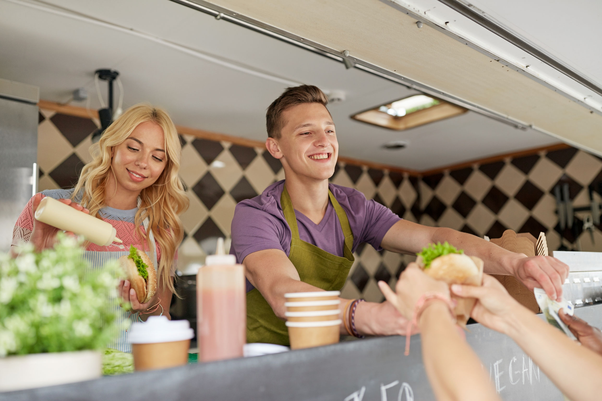 What Family Businesses Should Look for in Food Truck Builders