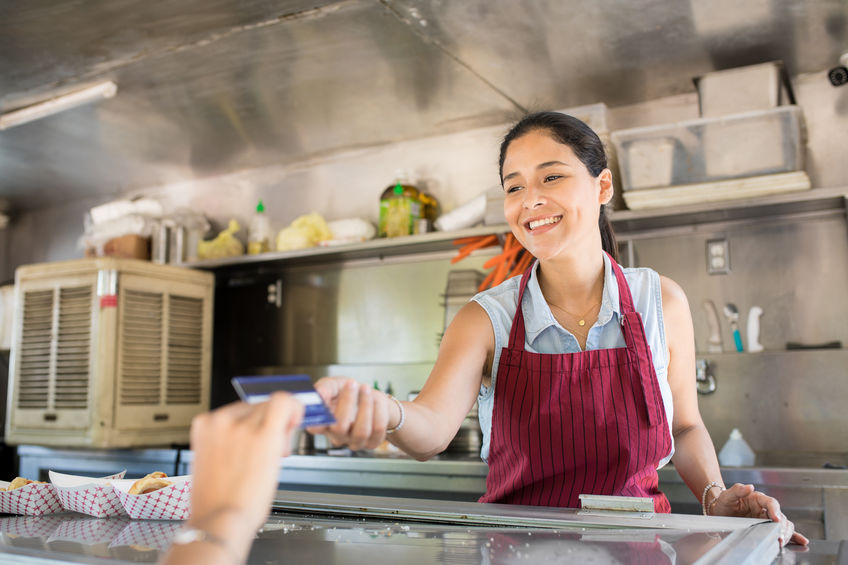 What Family Businesses Should Look for in Food Truck Builders to be Profitable