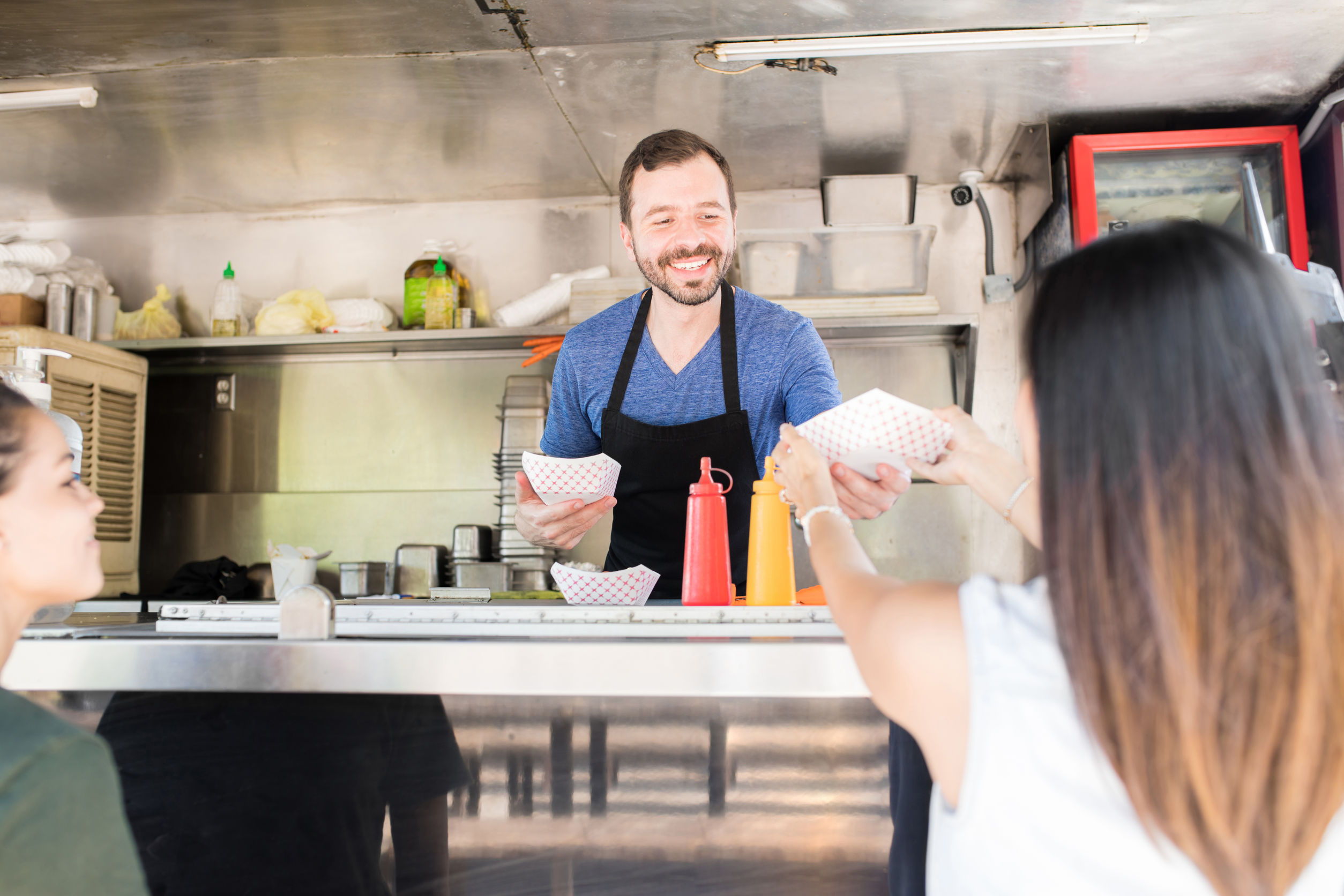 What Buyers Should Expect from the Best Food Truck Builders in the Industry