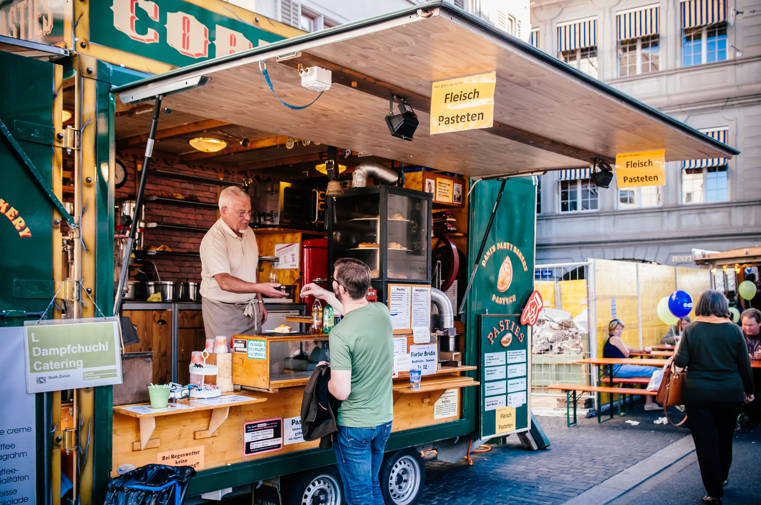 3 Reasons Why Retired People Should Buy a Food Truck