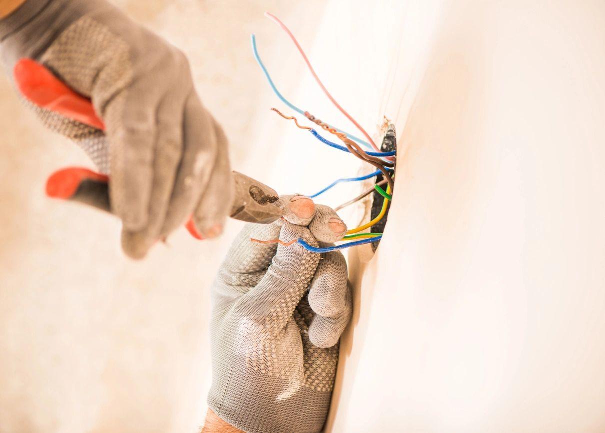 Emergency Electrician Repair