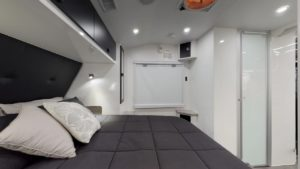 salute-caravans-governor-club-lounge-internal-015