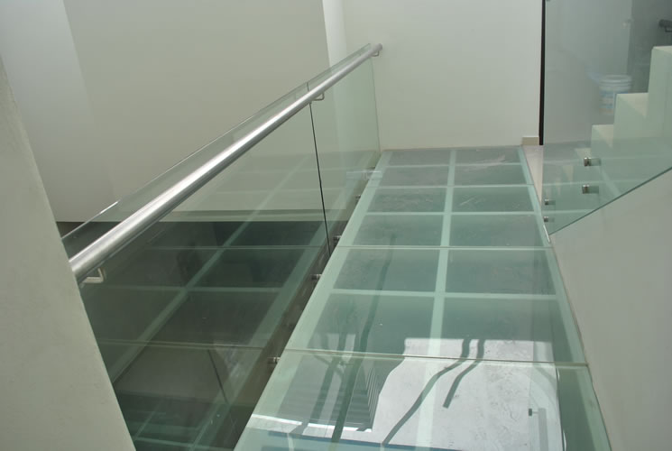 A-2 Hand railing with standoff