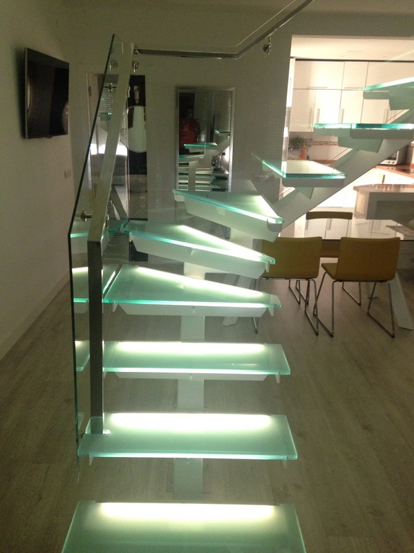 A-7 Impact glass with square tub and impact glass steps
