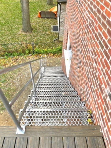 Aluminium Exterior Stairs & Railings
