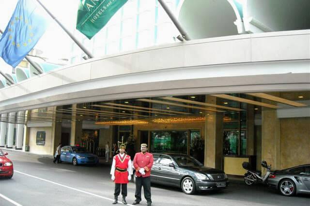 doormen shangrila hotel singapore