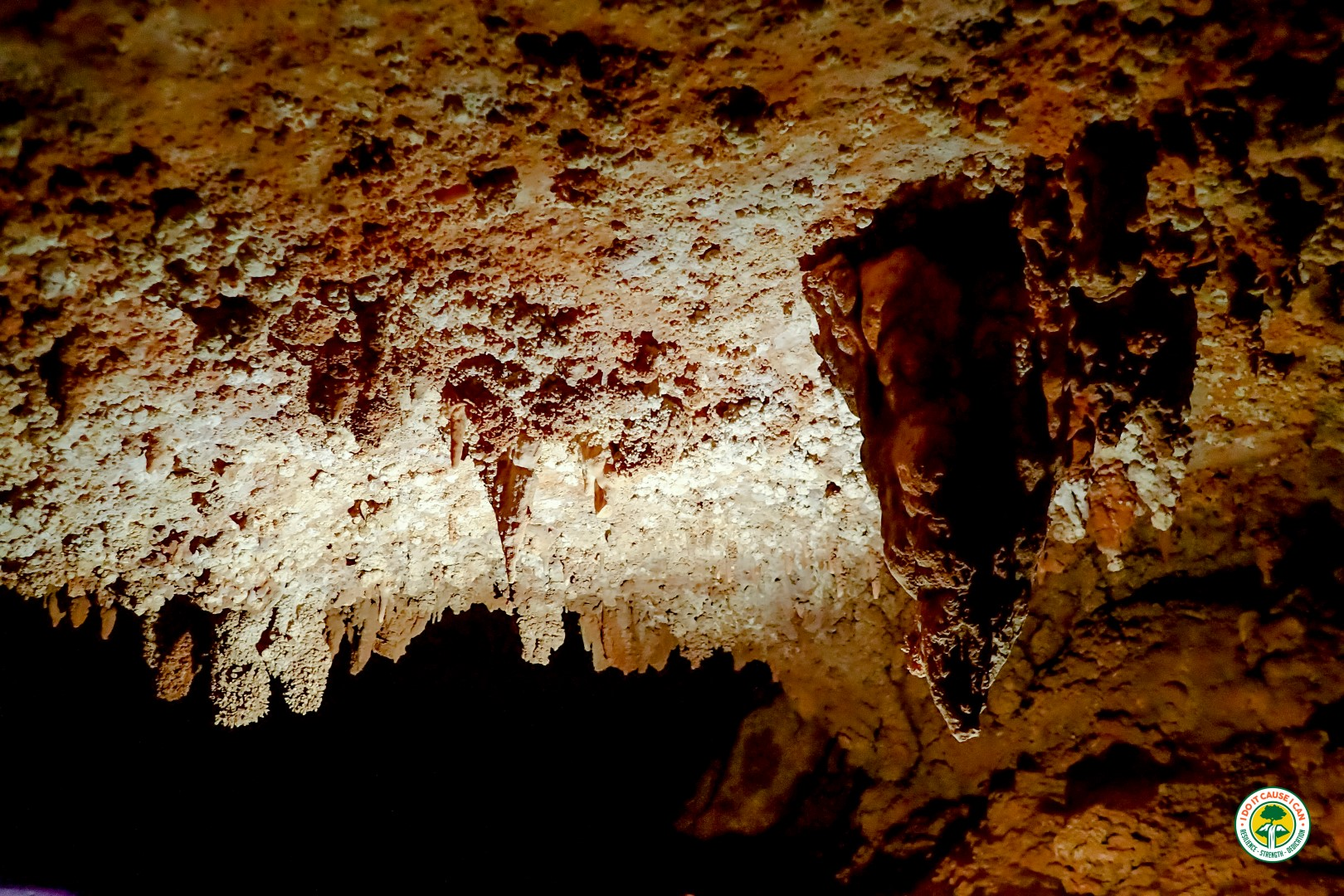 7th hole cave oman Caves of Oman