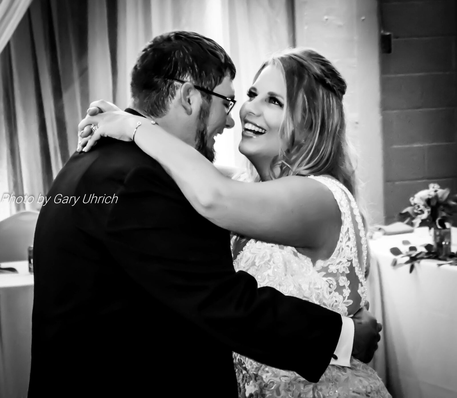 Veronica and Jordan, First Dance, Weborg 21 Centre, Gering, NE, Gary Uhrich, The DJ Music System, Scottsbluff, Nebraska