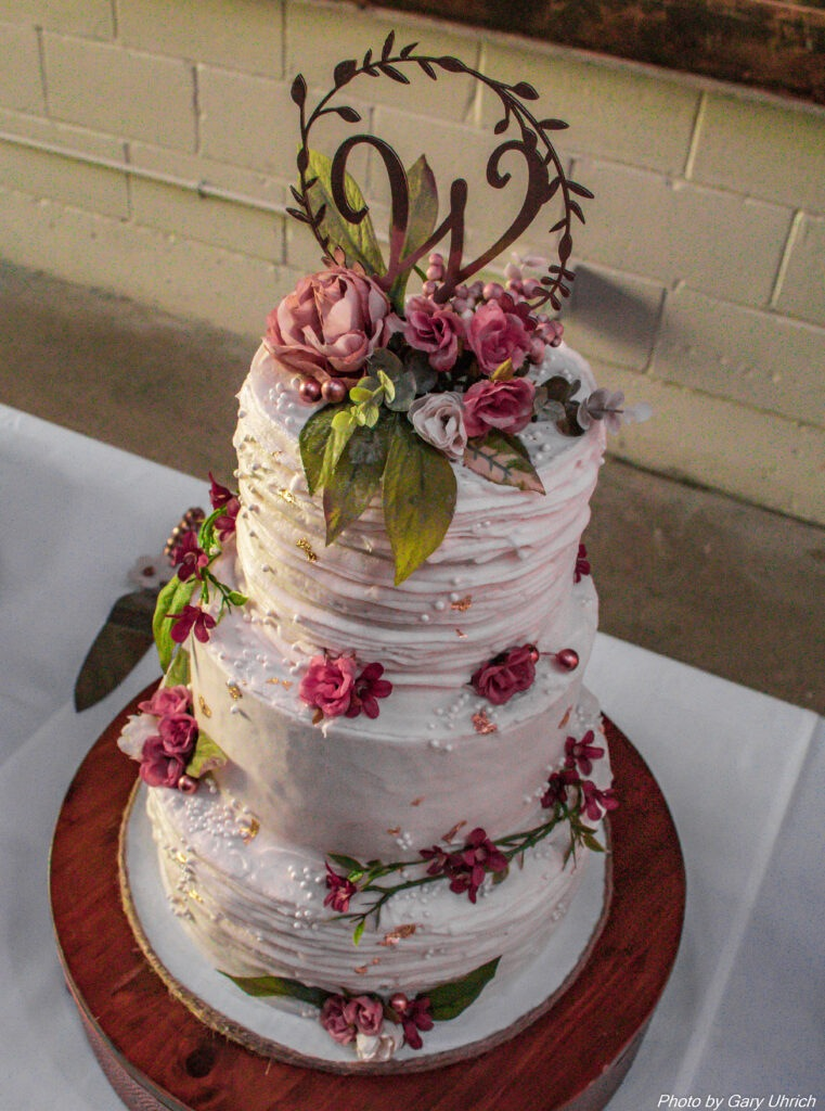 Candice Sean Weborg 21 Centre Wedding Cake made by April Manka