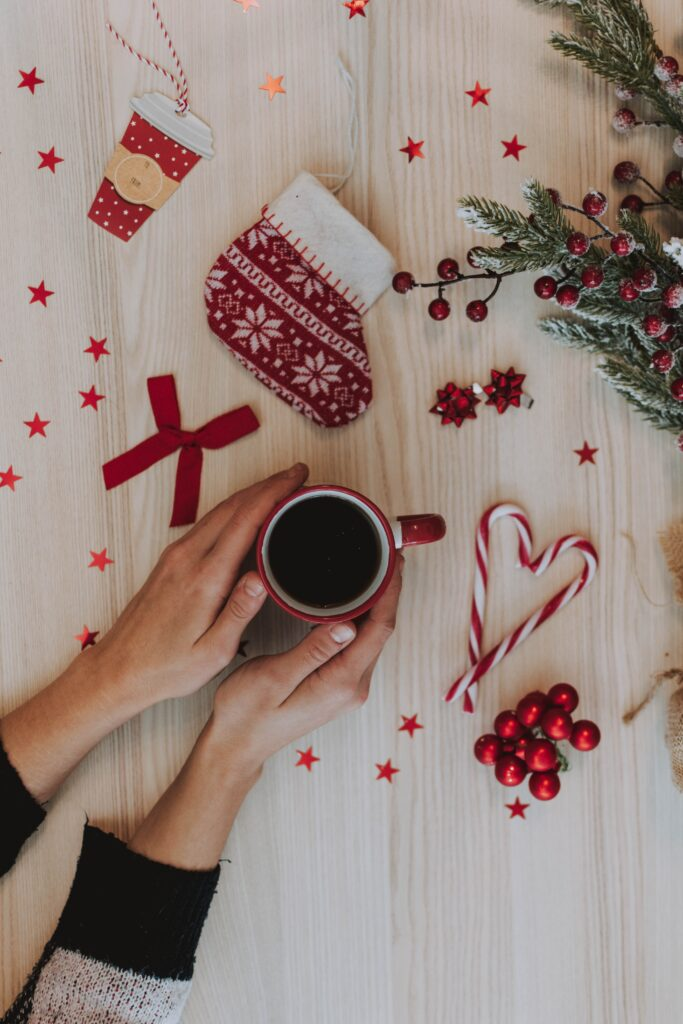 Alone for the Holidays: 7 Ways to Thrive as a Single During the Holidays