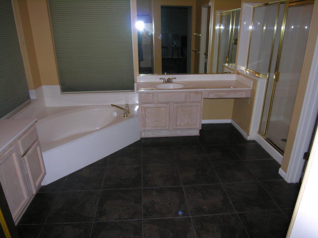 Mehr-Bathroom-BEFORE