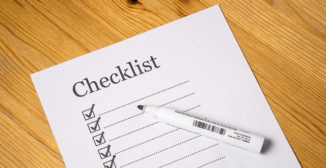 Checklist and marker. 7 things to look for.