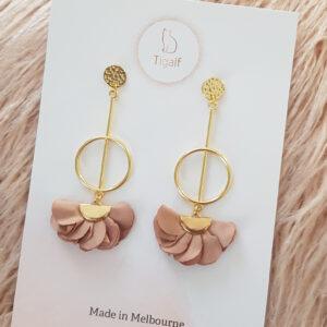 Poppy Earring – Nude