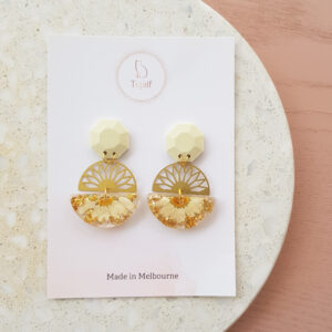 Flowerly Earring – Round geometric drops