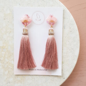 Flowerly – Pink Long Tassel Earring