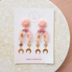 Flowerly Earring – Pink Arch Moon Drop
