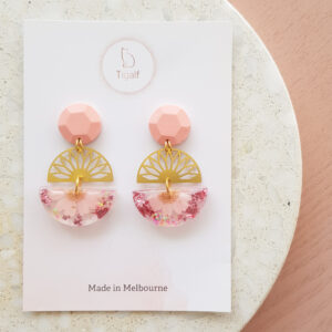 Flowerly Earring – Pink Round geometric drops