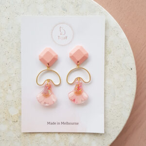Flowerly – Pink Dangle Earring