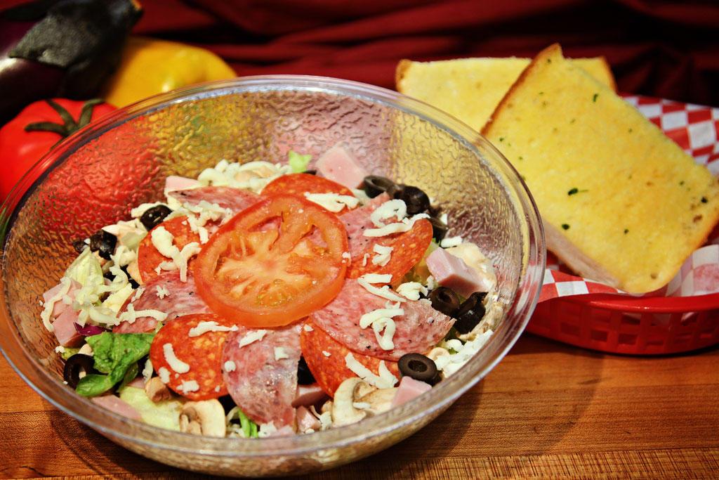 Sm Antipasto Salad & Garlic Bread (Dine In Only)