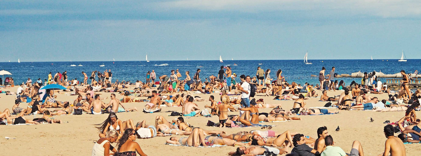 Memorial-Day-Crowded-Beach