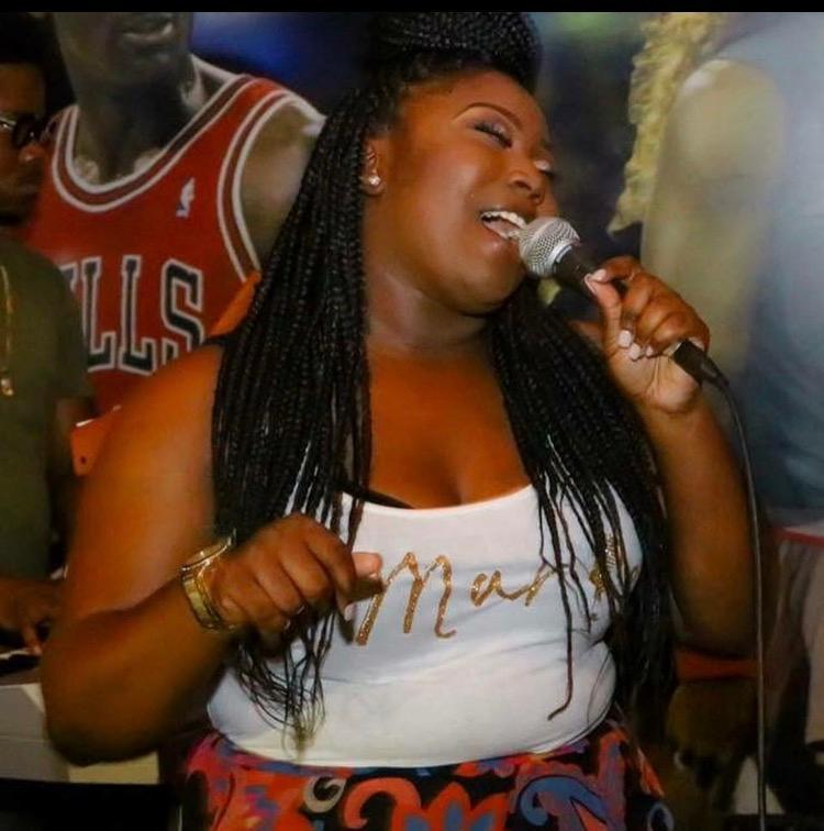 @chelsisbeauty - Singing Live