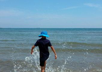 白沙灣踏浪