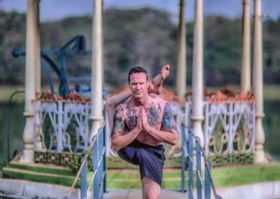 Taylor_Hunt_Asjtanga_yoga_Tiago2017vert_9