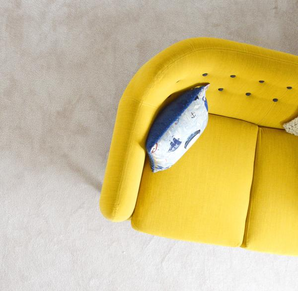 3 Ways to Hang Art above Your Sofa