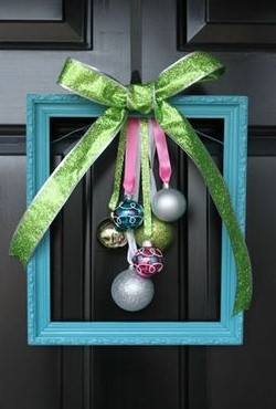 "DIY: Create a Unique ""Wreath"" with Frames"