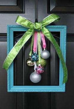 "DIY: Create a Unique ""Wreath"" with Frames"