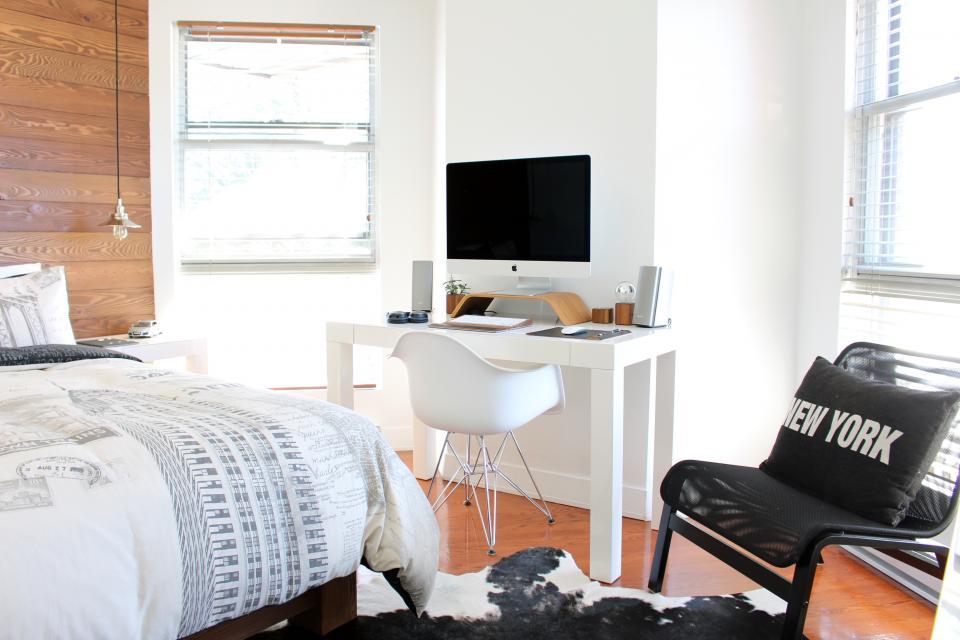Bedroom Reno on a Dime: Make a Frame Headboard