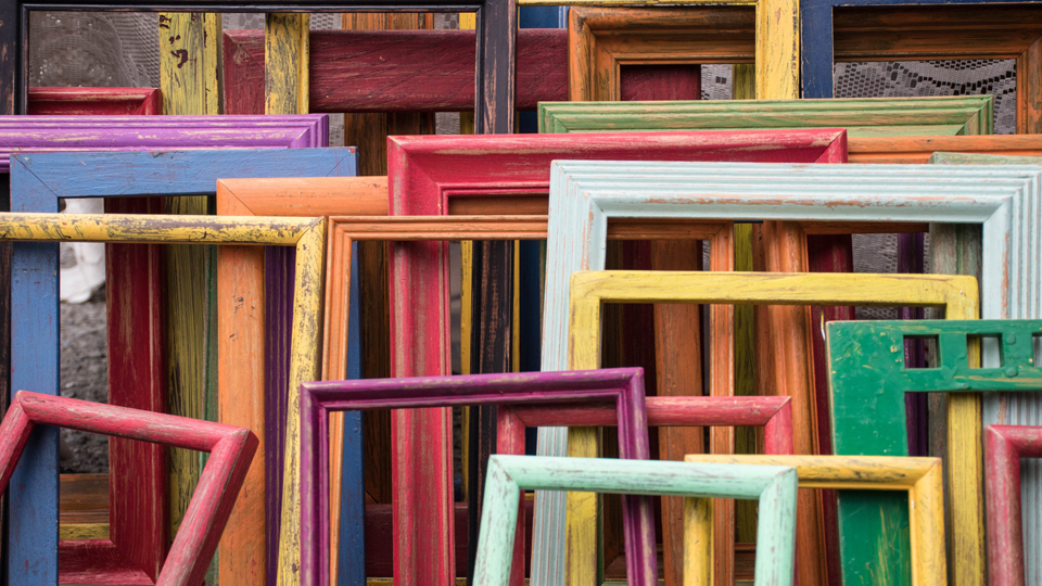 Choosing The Right Color Frame For Your Project